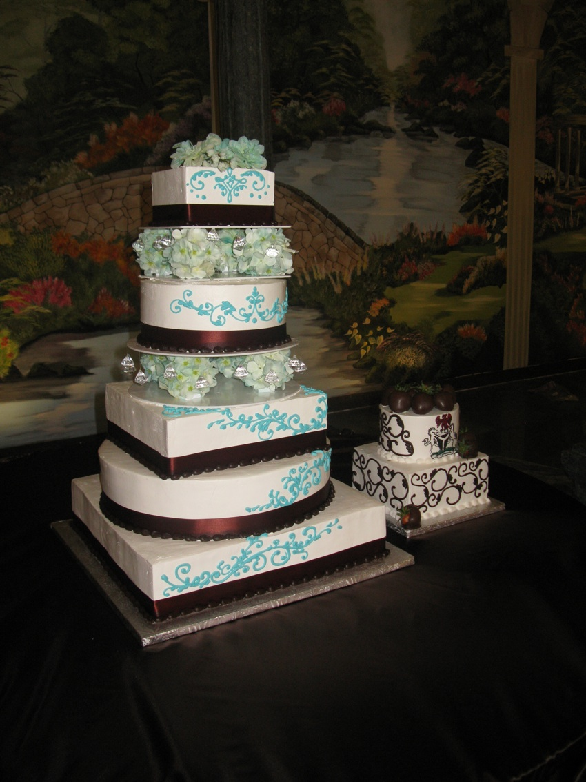 tango-bakery-cakes