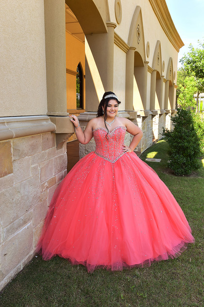 abaunza quinceanera photography