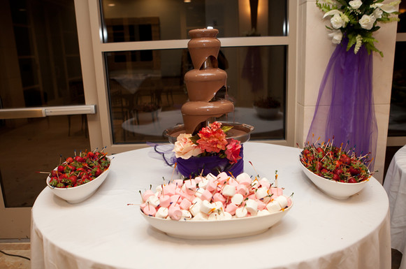 rosy-catering-decorations-chocolatefountains-